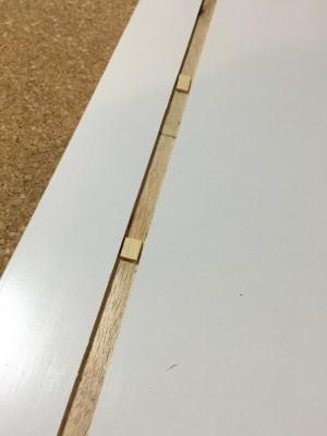 脱衣所の棚 4 穴補強